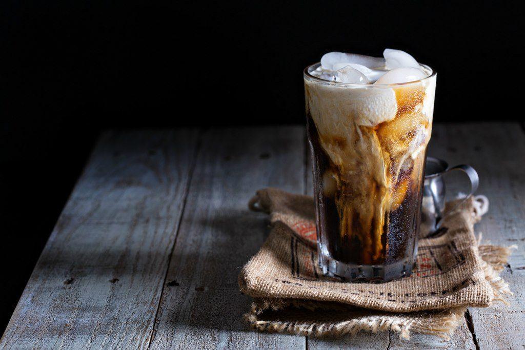 Lưu ý khi sử dụng đồ uống chứa nhiều caffein